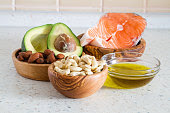 8 NATURAL WAYS TO LOSE BELLY FAT